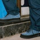 kengät kuvattuna asfaltilla