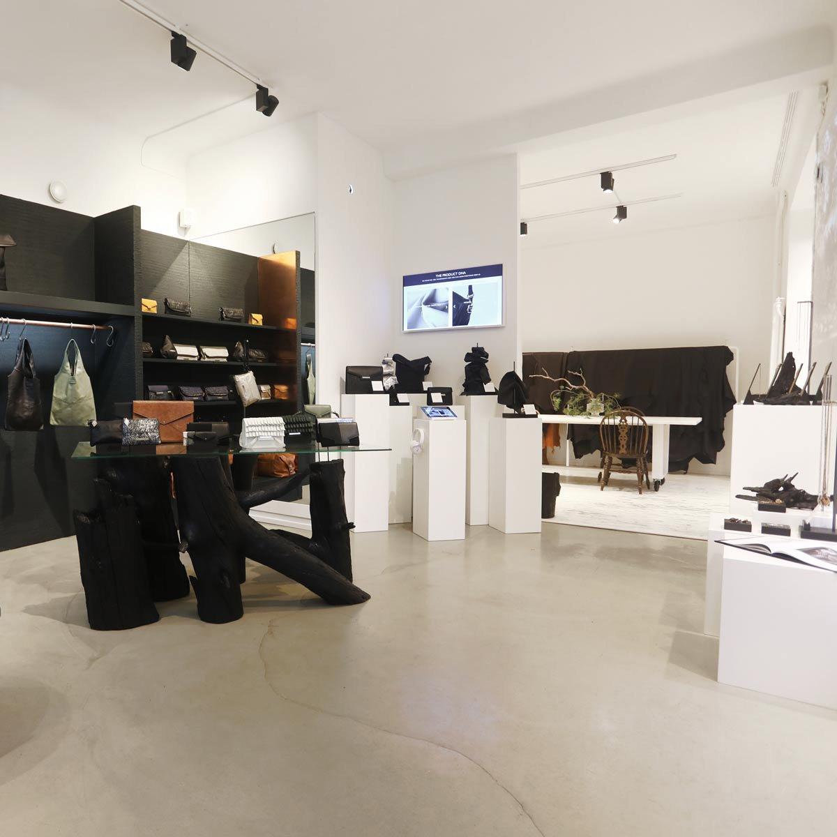 Lovian showroom-liiketila